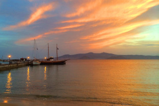 agia anna enosis apartments sunset