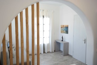 alia enosis apartments hall