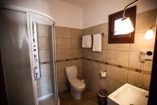 argo enosis apartments bathroom