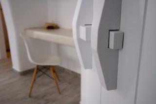 penthouse enosis apartments desk