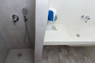 penthouse enosis apartments shower