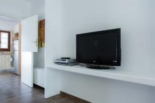 kalypso enosis apartments TV